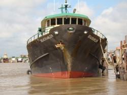 """De in beslag genomen schip genaamd""""seacrawler""""(foto KPS)"""